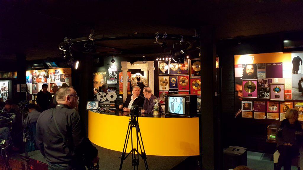 Ad Bouman en Bart van Leeuwen tijdens de uitzending van 50 jaar ABTT